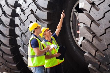 Seguros para maquinaria, equipamiento industrial y vehículos